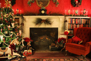 Old Fashioned Christmas Mantle and Tree